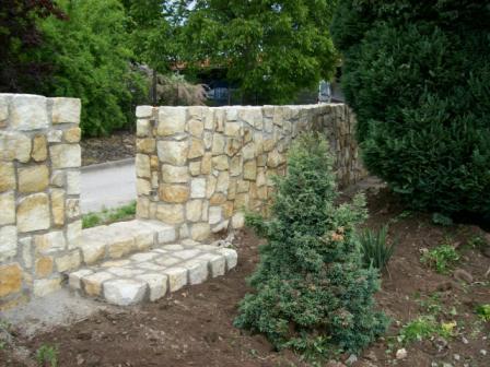 Základy z kamene